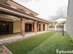 Casas en Curridabat (5)