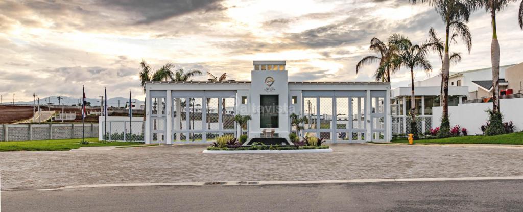 Condominio Distrito San Juan